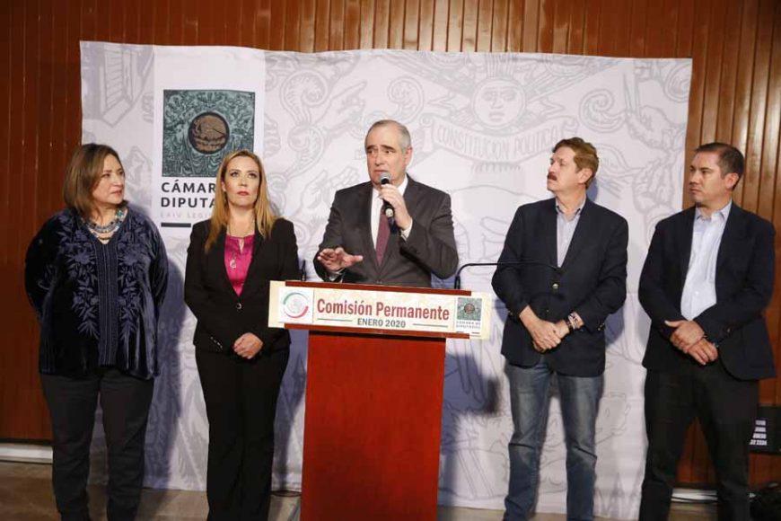 conferencia de prensa ofrecida por senadoras y senadores, así como diputados del PAN, durante la sesión de la Comisión Permanente que se desarrolla en el Palacio Legislativo de San Lázaro.