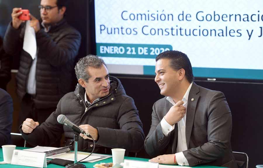 Senador Damián Zepeda Vidales, al participar en la reunión de trabajo de la Primera Comisión de la Permanente.