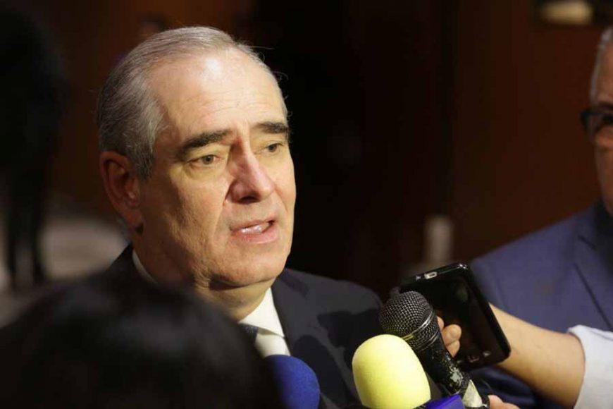 Entrevista al senador Julen Rementería del Puerto, previo al inicio de la sesión de la Comisión Permanente que se desarrolla en el Palacio Legislativo de San Lázaro.