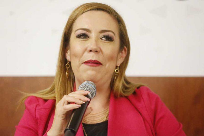 Intervención de la senadora Alejandra Reynoso Sánchez durante la presentación del libro La Cantera de Guanajuato en el Teatro Iturbide.