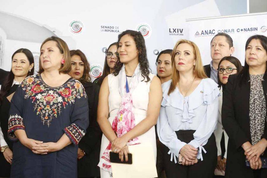 """conferencia de prensa ofrecida por las senadoras Kenia López Rabadán, Xóchitl Gálvez Ruiz y Alejandra Reynoso Sánchez, para presentar el proyecto """"Red Amigas de la Corte"""", con la finalidad de erradicar la discriminación hacia las mujeres en el ámbito político"""