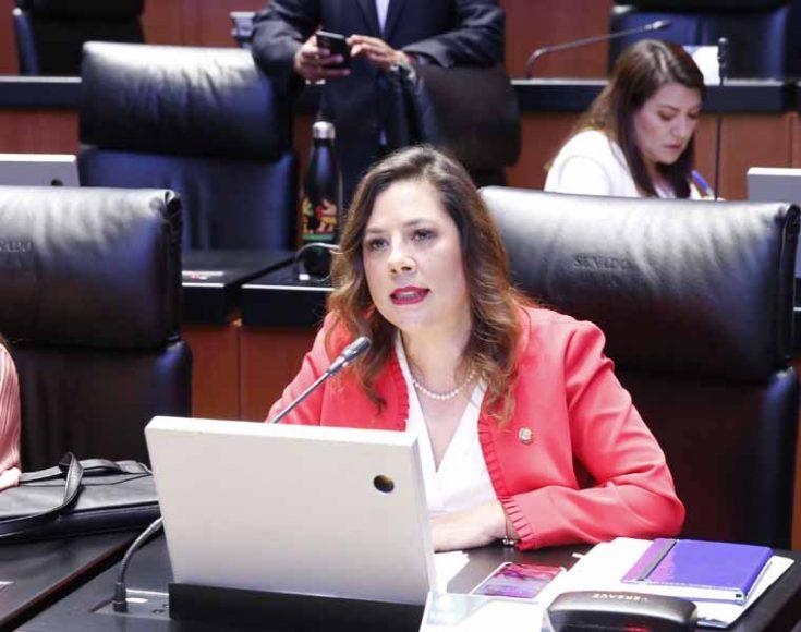 Intervención desde su escaño de la senadora Gina Cruz Blackledge para condenar la ola de violencia en Baja California en contra de jóvenes y mujeres, así como solicitar un informe sobre la supuesta venta de edificios de consulados de México en el extranjero.