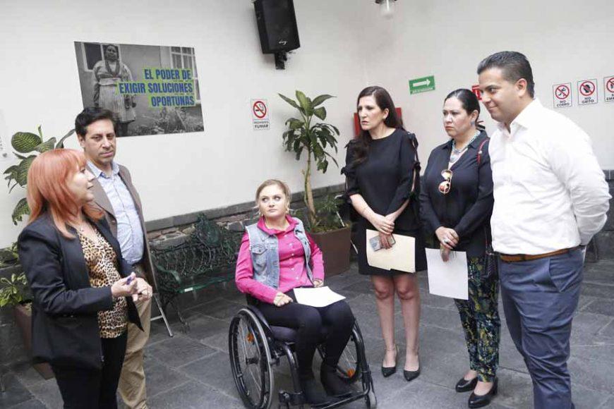 Entregan senadores de todos los partidos solicitud a la CNDH con relación al proceso de selección de consejeros del INE.