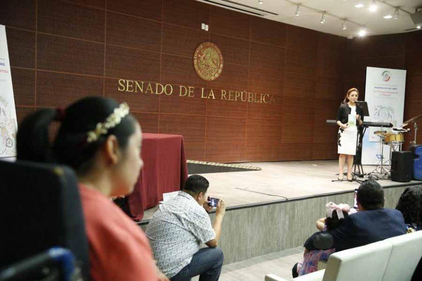 "Senadora Josefina Vázquez Mota, durante la presentación del libro ""La Princesa Abrazando al Planeta"", de Diana Laura López Aboytes."