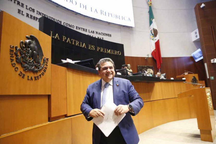 Intervención del senador Roberto Juan Moya Clemente, al presentar una iniciativa que reforma las fracciones III y IV y que adiciona una fracción V al artículo 165 de la Ley de la Propiedad Industrial.