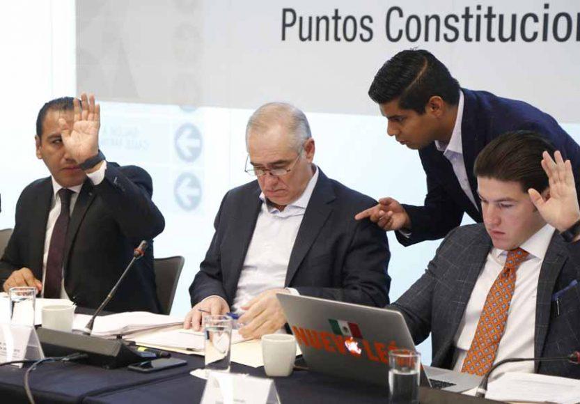 Senador Julen Rementeria del Puerto, durante la reunión de la Comisión de Puntos Constitucionales