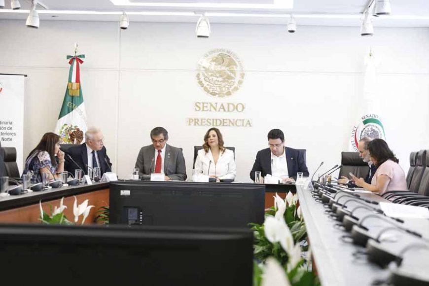 Reunión de la Comisión de Relaciones Exteriores América del Norte, presidida por la senadora panista Gina Cruz Blackledge, y la participación de la senadora Nadia Navarro Acevedo y el senador Gustavo Madero Muñoz.