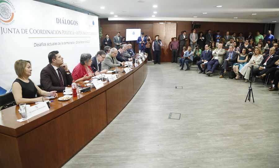 """Senadora Minerva Hernández Ramos, durante una reunión de la Junta Coordinación Política y Aspen Institute Mexico, en los Diálogos """"Desafíos actuales de la Democracia"""""""
