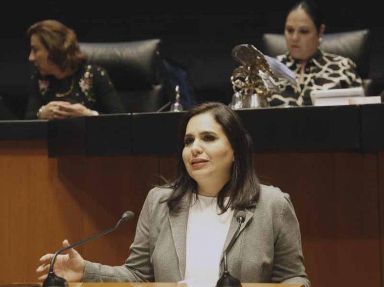Intervención de la senadora Mayuli Latifa Martínez Simón, al presentar una iniciativa que reforma y adiciona diversas disposiciones de la Ley General de Educación, de la Ley Federal del Trabajo y de la Ley Federal de los Trabajadores al Servicio del Estado, Reglamentaria del Apartado B) del artículo 123 constitucional.