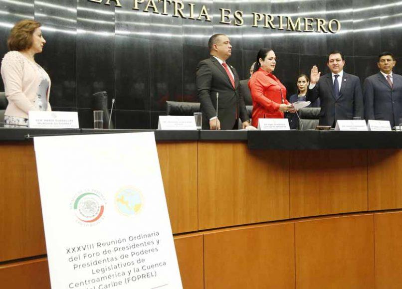 Las senadoras del PAN Guadalupe Murguía Gutiérrez y Alejandra Reynoso Sánchez, durante los trabajos de la XXXVIII Reunión Ordinaria del Foro de Presidentes y Presidentas de Poderes Legislativos de Centroamérica y la Cuenca del Caribe (Foprel).