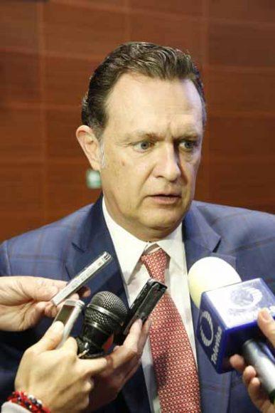 Entrevista concedida por el coordinador de las senadoras y senadores del PAN, Mauricio Kuri González, previa al inicio de la sesión