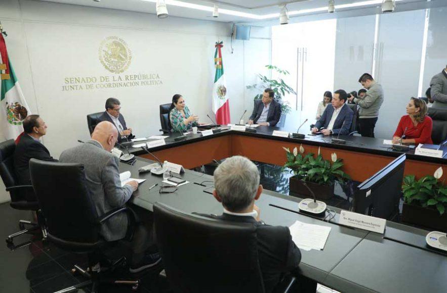 El coordinador de las y los senadores del PAN, Mauricio Kuri González, en reunión de la Junta de Coordinación Política