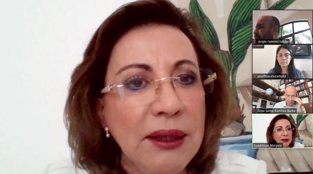 Senadora Guadalupe Murguía Gutiérrez y el senador Julen Rementería, durante la conferencia de prensa de los integrantes del PAN en la Comisión Permanente