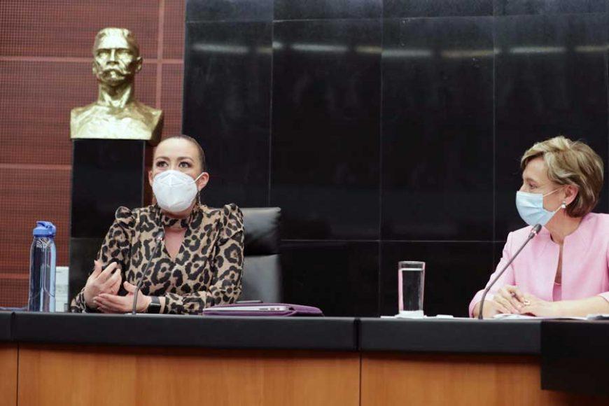 Las senadoras panistas Alejandra Reynoso Sánchez, Kenia López Rabadán y Josefina Vázquez Mota, durante la reunión de la Comisión de Relaciones Exteriores Europa.