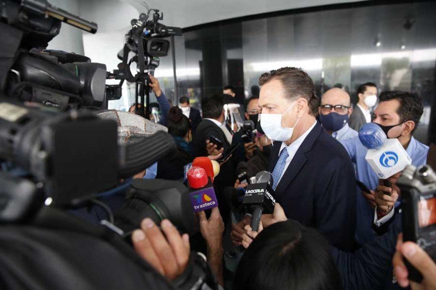 Entrevista al coordinador de los senadores del PAN, Mauricio Kuri González, previa al inicio de la sesión del periodo extraordinario