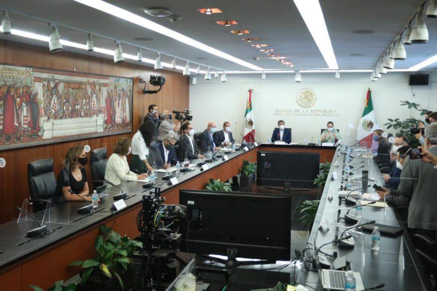 Las senadoras del PAN Guadalupe Murguía Gutiérrez y Josefina Vázquez Mota, durante su participación en la reunión de la Junta de Coordinación Política del Senado.