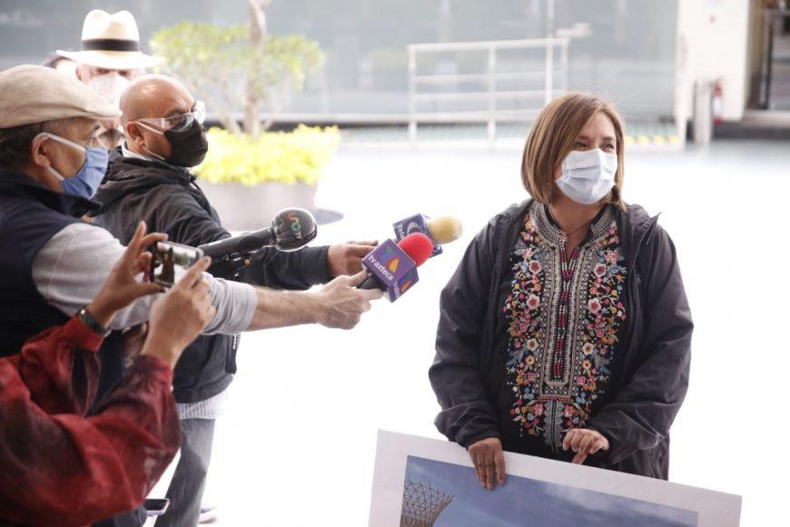 Entrevista a la senadora Xóchitl Gálvez sobre la licitación para la compra de acero del NAIM