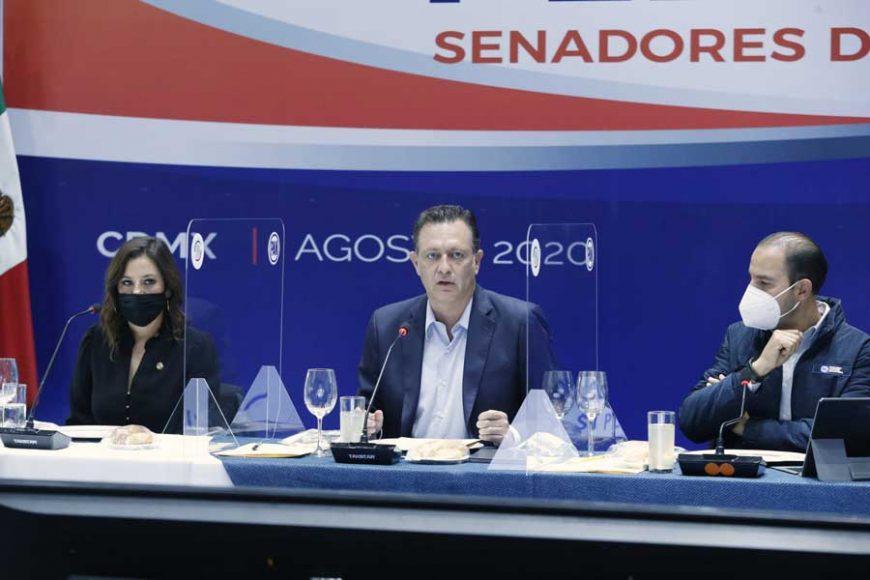 Senadores del PAN durante la inaguración de la Reunión Plenaria en el CEN