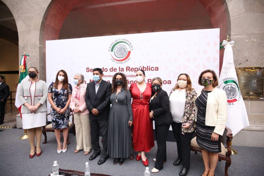 Senadora del PAN Guadalupe Murguía Gutiérrez, en el informe de actividades de la presidenta de la Mesa Directiva, Mónica Fernández Balboa, en la vieja Casona de Xicoténcatl.