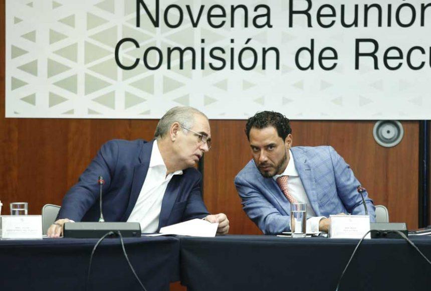 El senador Raúl Paz Alonzo presidió reunión de trabajo de la Comisión de Recursos Hidráulicos; participó el senador Julen Rementería del Puerto.