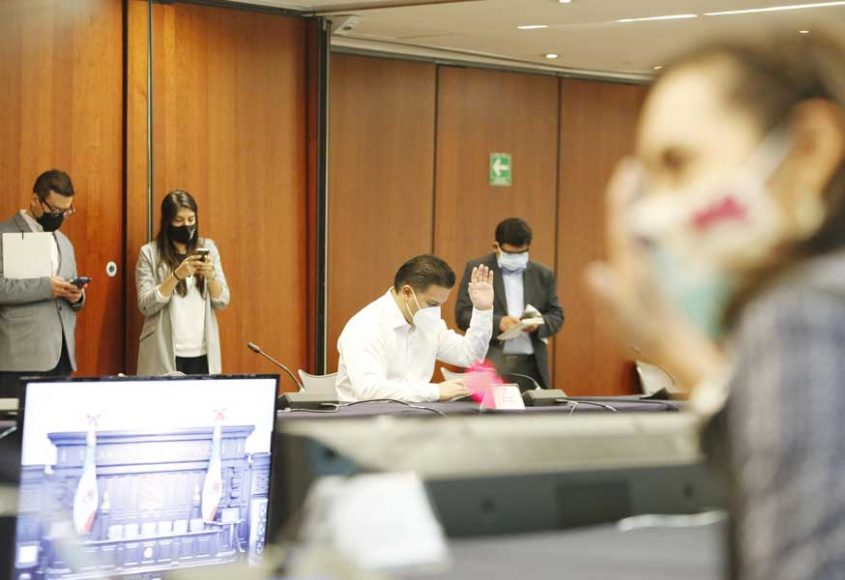 Senador Damián Zepeda Vidales, durante la reunión de las Comisiones Unidas de Gobernación, de Justicia, de Puntos Constitucionales, y de Estudios Legislativos, Segunda.