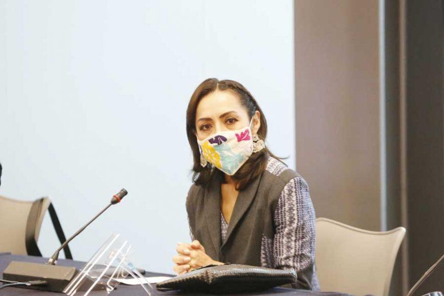Senadora Josefina Vázquez Mota, durante la reunión de las Comisiones Unidas de Derechos de la Niñez y de la Adolescencia y de Estudios Legislativos, Segunda.