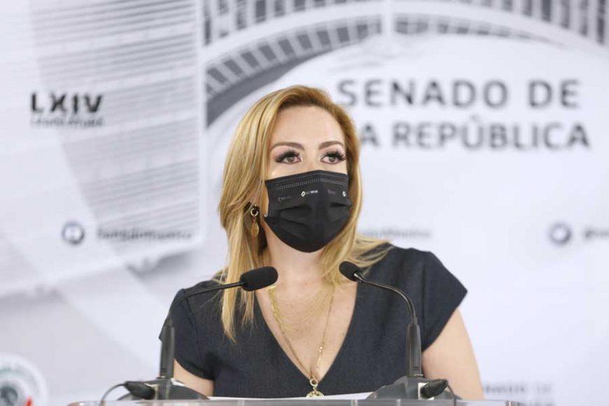 Conferencia de prensa ofrecida por la senadora Alejandra Reynoso Sánchez, acompañada por el Coordinador de los senadores del PAN, Mauricio Kuri González.