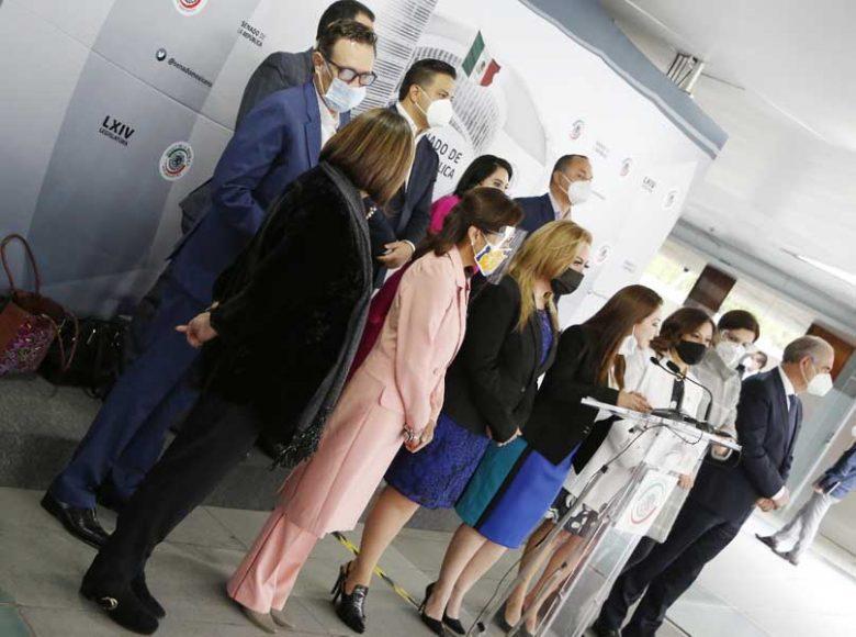 Conferencia del Grupo Parlamentario del PAN, encabezada por su coordinador, Mauricio Kuri González, Gloria Núñez Sánchez, en la que se refirieron a la falta de cumplimiento de los compromisos que hizo el Gobierno federal,