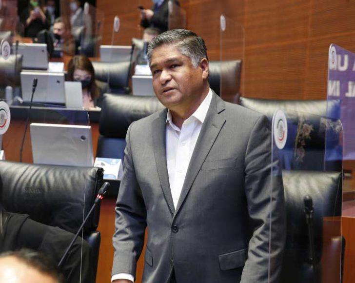 Intervención desde su escaño del senador Víctor Fuentes Solís