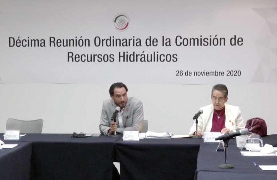 Senador Raúl Paz Alonso, al presidir reunión de la Comisión de Recursos Hidráulicos