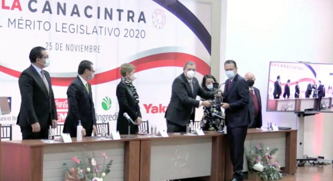 IMG_Intervención del senador Mauricio Kuri González, al recibir el Premio Águila Canacintra al Mérito Legislativo 2020.2036