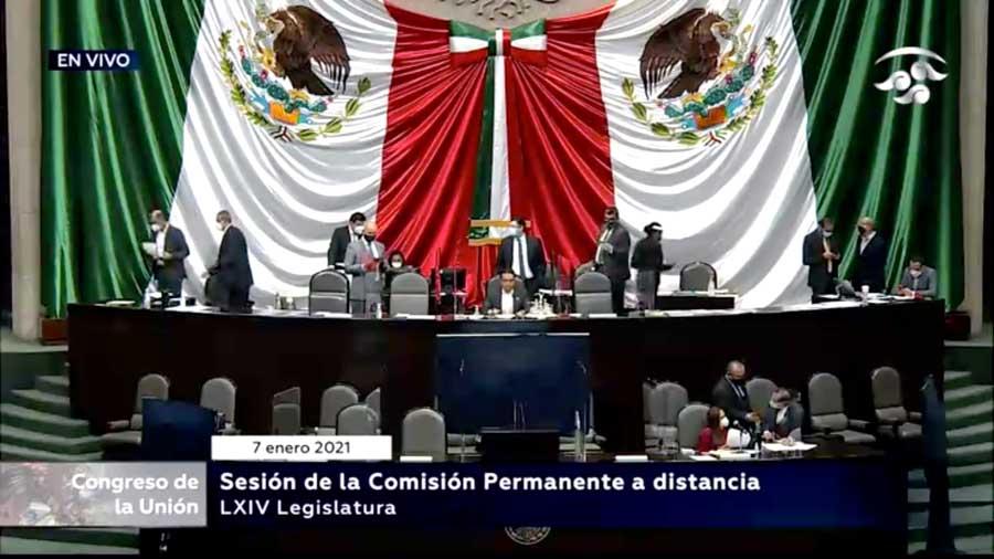Senadoras y senadores del PAN durante la sesión de la Comisión Permanente