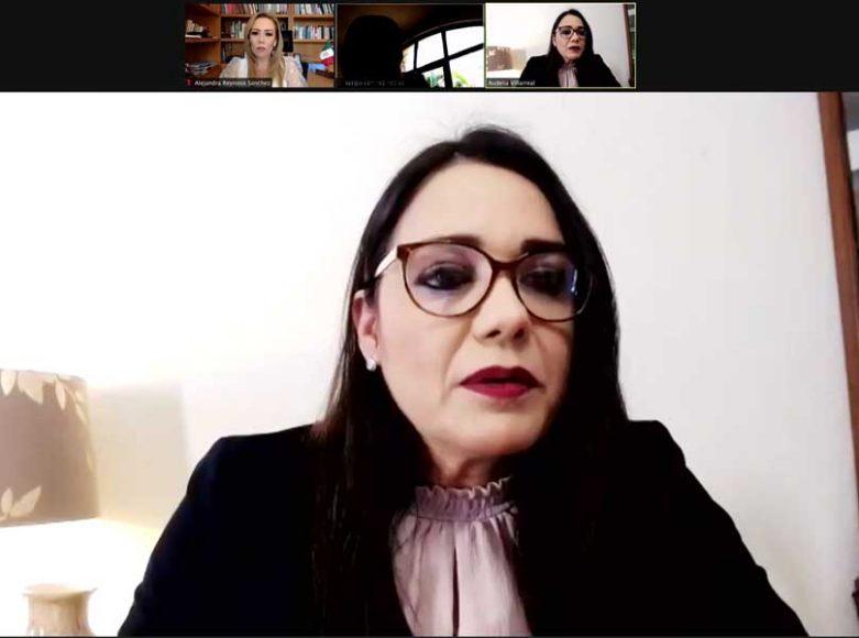 Las senadoras del PAN Alejandra Reynoso Sánchez y Audelia Villarreal Zavala, durante la conferencia de prensa en la que hablaron sobre propuestas de empoderamiento de las mujeres.