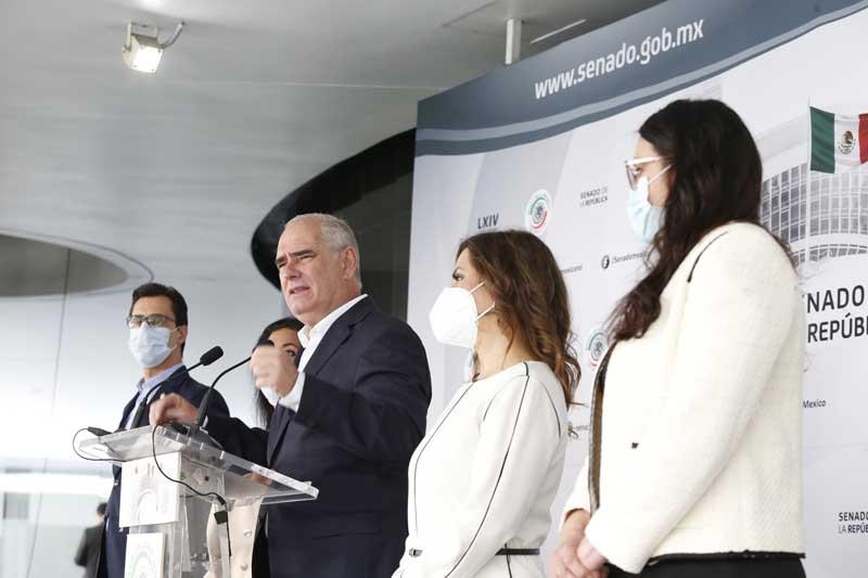 Conferencia de prensa ofrecida por senadoras y senadores del GPPAN, encabezados por su Coordinador, Julen Rementería del Puerto
