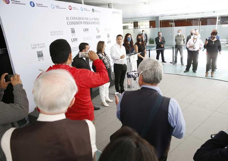 Conferencia de prensa concedida por las y los legisladores del PAN, previa al inicio de la sesión de la Comisión Permanente, Damián Zepeda Vidales, Xóchitl Gálvez Ruiz, Kenia López Rabadán